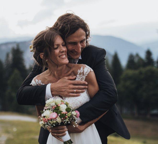 15Hochzeitsfotografie-Steiermark-Schladming-Almwelt Austria-Reiteralm-Brautpaar