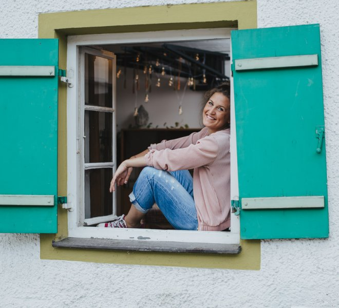 Portraitfotografie-Salzburg-Fotografie-Frau-Natur-Outdoor-Mediation-Yoga-Fotografie