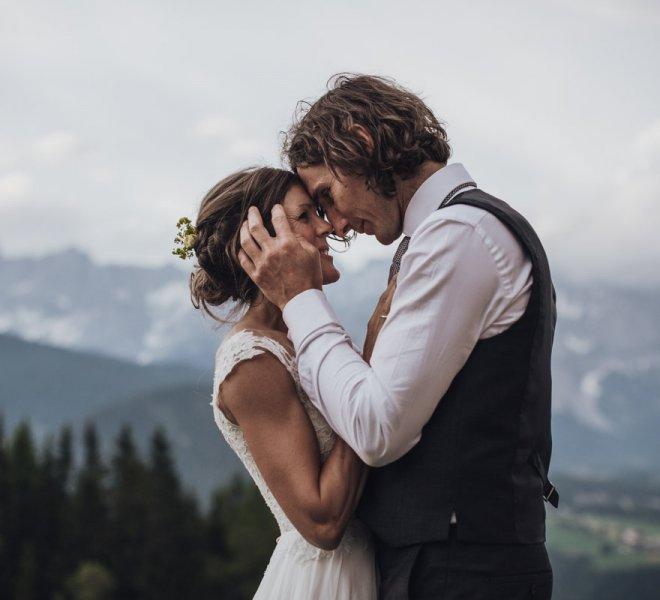 62Hochzeitsfotografie-Steiermark-Schladming-Almwelt Austria-Reiteralm-Brautpaar