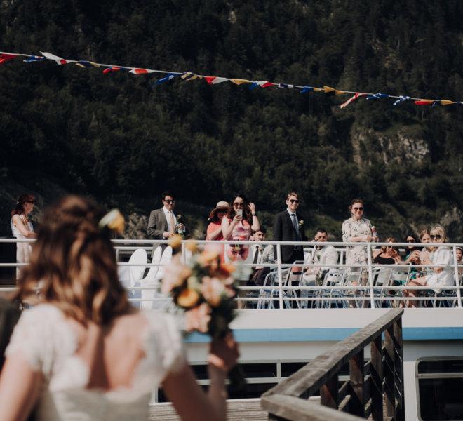 Hochzeitsfotografie-Salzburg-freie trauung boot-traunsee